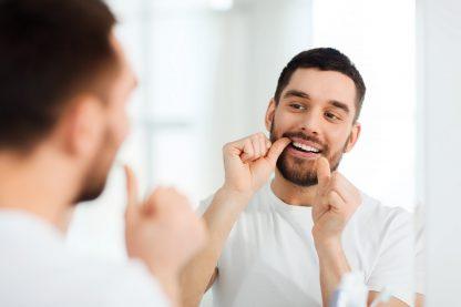 Soie dentaire : mythes et réalités